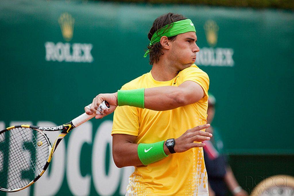 Rafael Nadal souffle à la frappe