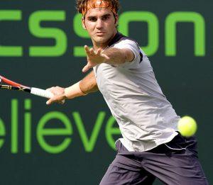 la prise semi fermée de Roger Federer