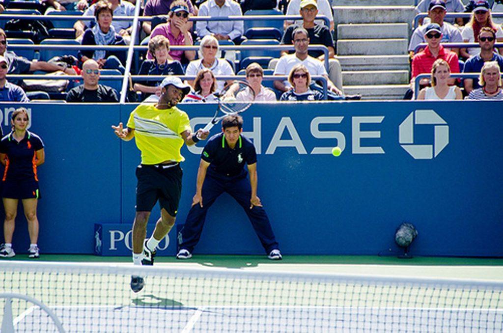 Coup droit de tennis bondissant
